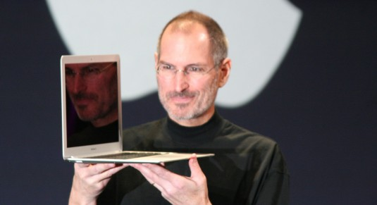 Steve Jobs shows off the MacBook Air, a product of relentless evolutionary iterations. Photo: Matthew Yohe